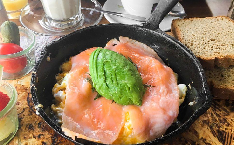 Finnisches Frühstück im café Buur Belgisches Viertel Köln